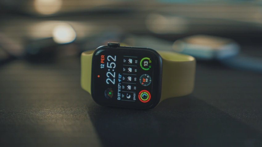 So, what exactly is stopping the smartwatch from replacing the smartphone?